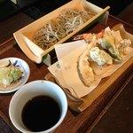 手打ち蕎麦 繁 - 天ぷらサックサクで美味しかったー
