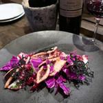 ビストロ チック - イカと赤キャベツのサラダ