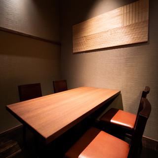 接待などプライベート空間の個室を完備