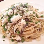 アリスカフェ - 真鯛とピゼリーニのスパゲッティ
