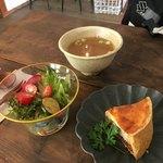 そら豆ガラス商店 - 料理写真:週替わりのキッシュセット