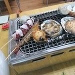 新島水産 - タコ・車エビ・アワビ