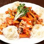 韓国料理 豚肉専門店 福ブタ屋 - さざえと野菜の和え物