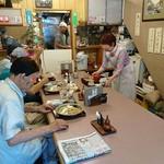 そば処きく池 - そば処 きく池 @板橋本町 8人掛けテーブル一つだけの店内