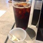 スターバックス・コーヒー - 初めていただくリザーブ物のコーシーですカップは試食のチーズケーキです