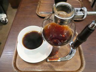 白ヤギ珈琲店 グランツリー武蔵小杉店 - ハウスブレンドのサイフォンコーヒー