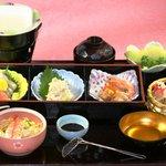 由良川 - 新メニューの湯葉御膳!1800円は引き上げ湯葉と湯葉の刺身、天ぷら付きでお値打ち!
