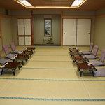 由良川 - 店舗2階にはお座敷もございます。カラオケの設備も別料金でお使いいただけます!