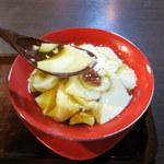 三徳堂 - シンプルに豆花のみ。シロップが衝撃的!