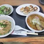 大榮餃子房 - 中華定食チャーハン、ミニラーメン、焼き餃子(6個)、サラダ