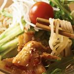 冷 麺 盛岡・中野製麺直送の麺&36時間かけて作る自家製スープ