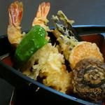末ひろ - 天ざる蕎麦(天ぷら,しいたけ・にんじん・なす・ピーマン・海老2尾)