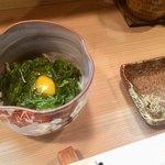 竹はる - 料理写真:白魚とメカブ、ウズラ卵のつき出し