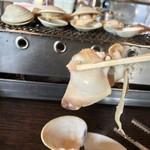 浜茶屋 やましょう - 浜茶屋 やましょう(茨城県鹿嶋市大字荒野)焼はまぐり(一人前)1,500円・白はまぐり ホンビノス貝(一皿)1,000円