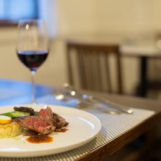 【パリの三ツ星レストランで修行したシェフが織りなす極上料理】