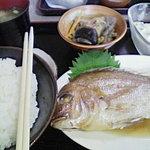 9182871 - 鯛の煮付け定食 600円
