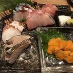 91823275 - 無添加うに刺し入り 特選鮮魚の刺し盛り5種