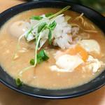 ◯平ラーメン - カルボナーラそば+煮卵