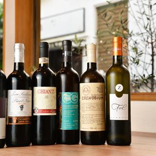 イタリア産のワインとお料理のアッヴィナメントを楽しんで…。
