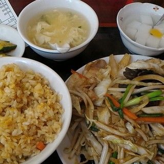 栄華楼 - 料理写真:にくやさいいため定食850円