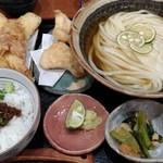 Chibuneya - ひやかけランチ(ちくわ天、小鉢、肉味噌ご飯)にかしわ天トッピング