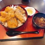 とり津 - ソースチキンカツ丼 648円