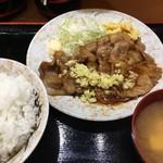 マルキ食堂 - 「しょうが焼き」+「大ライスセット」570円+200円也。税込。