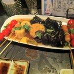 笑男酒場 や~まん - おでん盛り合わせ、、、椎茸美味いっす。