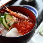 入り陽のレストラン 海遊 - 料理写真:海鮮丼