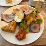 ラ・バイア  - これだけ本格的なサラダを目の前にしたら