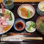 旬亭 きどぐちや - 料理写真:海鮮丼(1080円)コーヒー付き^^