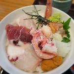 旬亭 きどぐちや - 海鮮丼のアップ