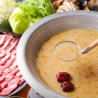 ご宴会にオススメ!人気のお鍋は夏も大好評です!