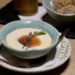 もつ唐と水炊きもつ鍋 由乃 - あぶり杏仁豆腐