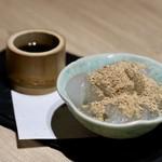 もつ唐と水炊きもつ鍋 由乃 - 自家製わらび餅