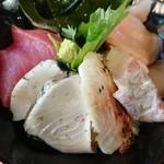 魚問屋 助八 - 海鮮丼