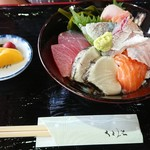 魚問屋 助八 - 海鮮スペシャル丼