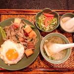 アジアンキッチン サワディー - 厚揚げともやし炒めのセット