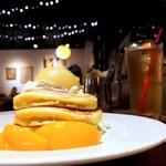 91862958 - 白桃とチーズクリームのパンケーキ