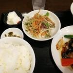 中華酒家 福籠 - 料理写真:ランチ、白身魚のピリ辛炒め