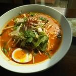 鶏白湯麺飯 暖家 - 鶏白湯麺~トムヤムクン味~大盛(プチライス付)950円(メンズデーで大盛無料)