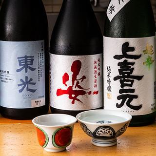 全国各地から取り寄せる日本酒のほか、自家製サワーもご用意
