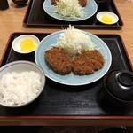 とんかつ屋松波 - 料理写真:とんかつ定食