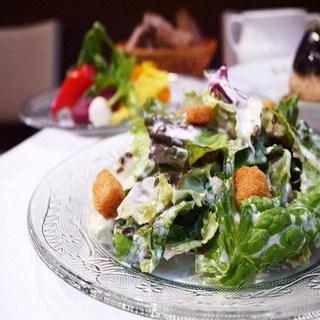 無農薬・無化学肥料の野菜をお好きなだけ召し上がれるサラダバー