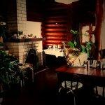 village Cafe' Honu - 内観写真:店内は落ち着いた海の雰囲気に包まれてゆっくりとした時間が過ごせます・・・