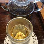 築地本願寺カフェ Tsumugi - べっぴん茶のバランス!飲みやすいハーブティー