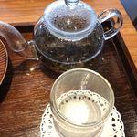 築地本願寺カフェ Tsumugi - 4杯くらい飲めました!