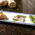石ばし - ・蒲鉾、鯛の昆布締め、枝豆