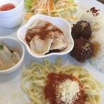 華かんざし - メイン水餃子+肉団子