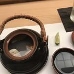 鮨処 さく松 - 蛤と松茸に土瓶蒸し!